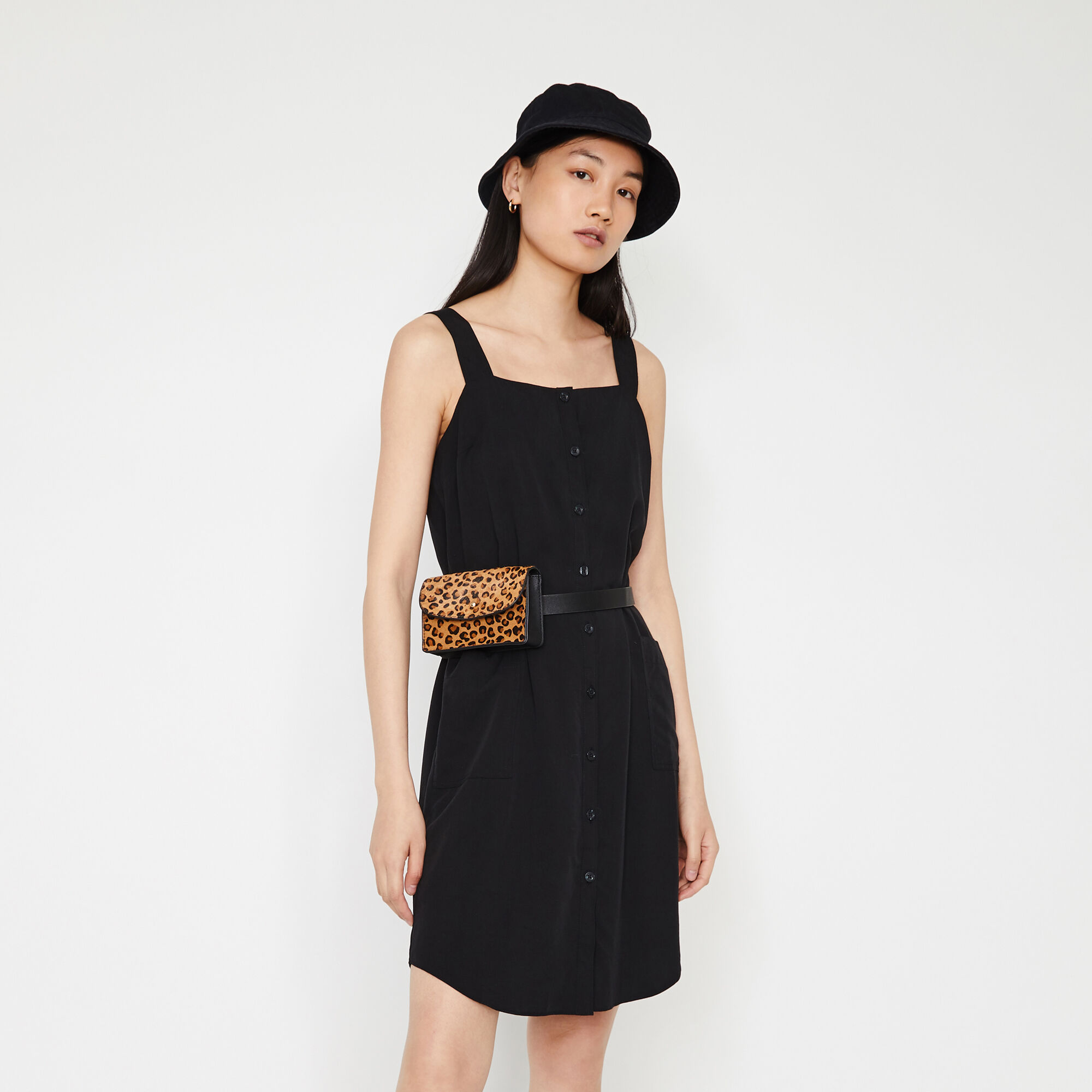 Warehouse, BUTTON MINI PINAFORE DRESS Black 1