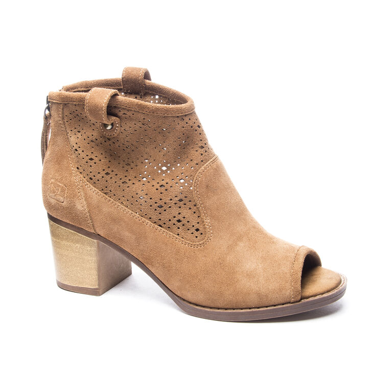 Chinese Laundry Trixie Boots in Camel