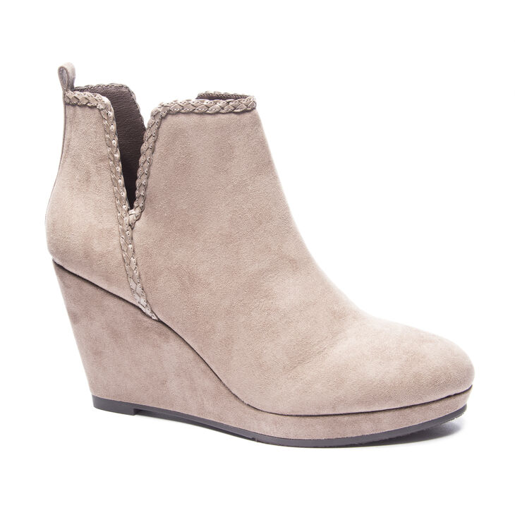 Chinese Laundry Volcano Boots in Dusty Taupe