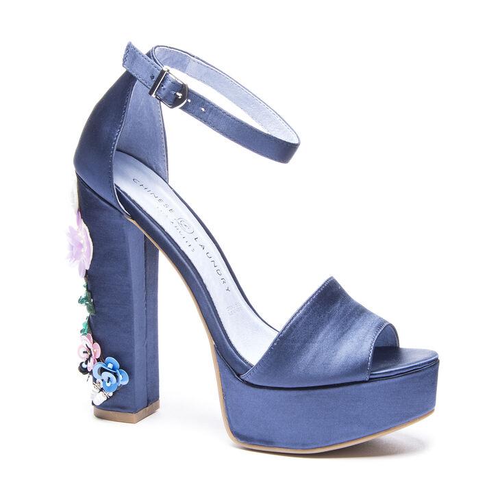 Chinese Laundry Aloha T-Strap Sandals