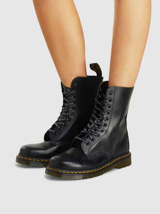 Marc Jacobs - Dr. Martens Lace Up Boots