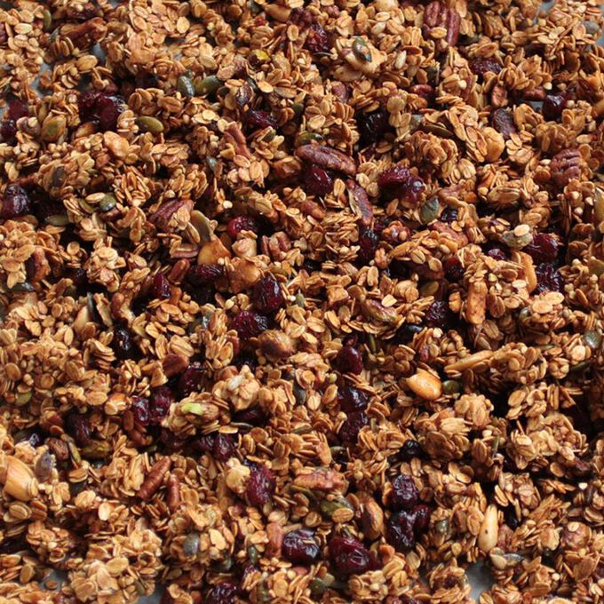 Doudou Daddy cinnamon and cranberry granola La Mère Mimosa
