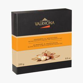 Gift box of almonds and hazelnuts, Blond Dulcey and Grand Crus white chocolate Valrhona
