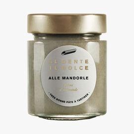 Alle Mandorle, almond cream Al dente la salsa