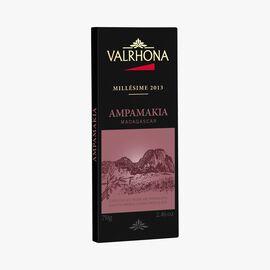 Ampamakia bar, estate dark chocolate (64 % minimum cocoa, pure cocoa butter) Valrhona