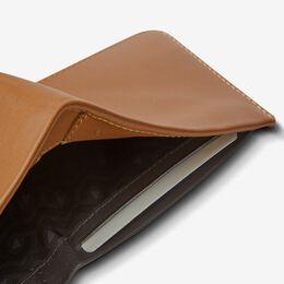 Hide & Seek Wallet by Bellroy, 1018728 Caramel, blockout