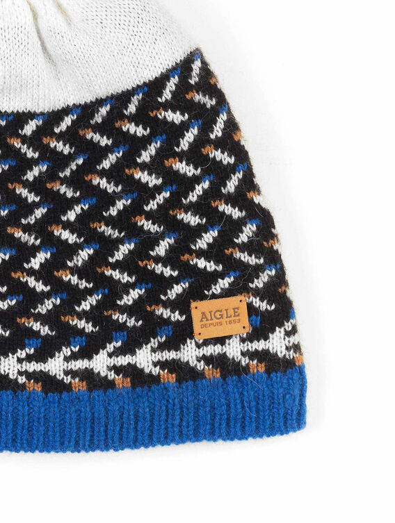 Women's cold-weather beanie