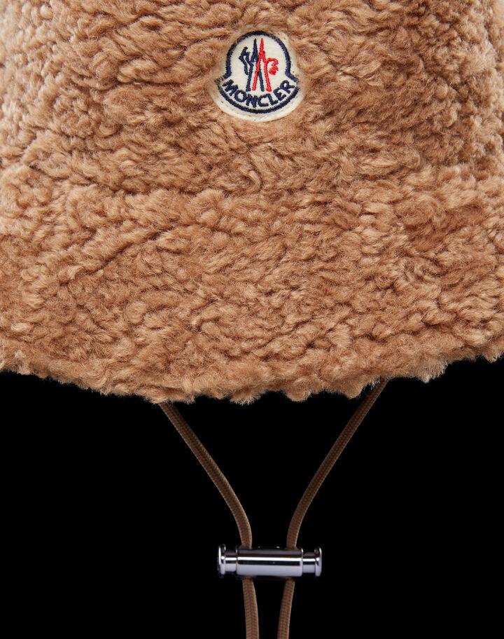 Moncler Faux fur bucket hat Natural Camel Beige