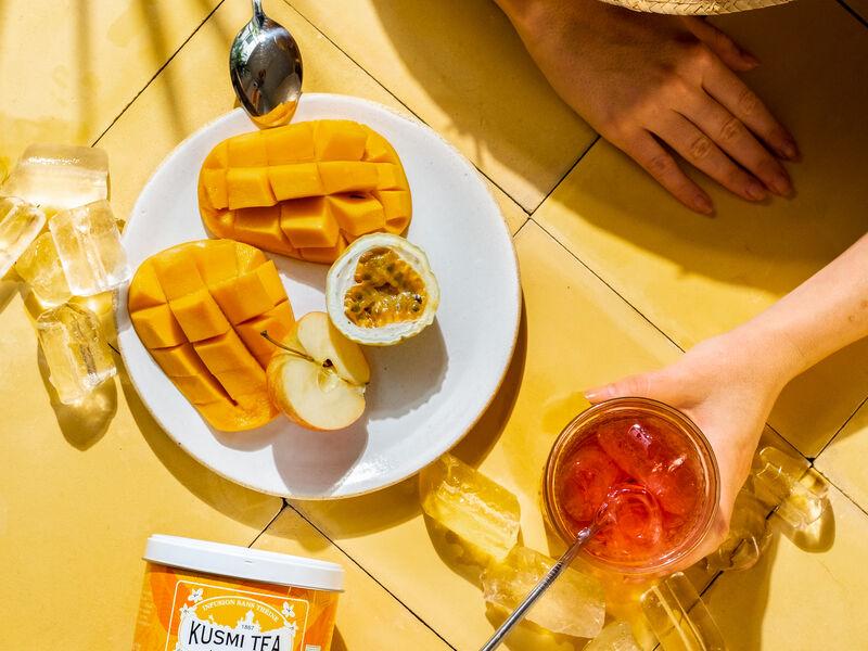 Tee-Genuss bei sommerlichen Temperaturen so empfehlenswert