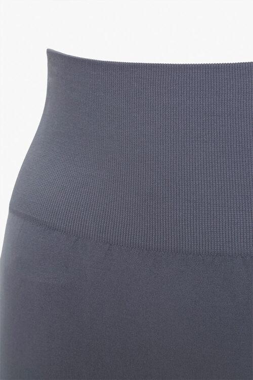 Plus Size Cutout Capri Leggings, image 4