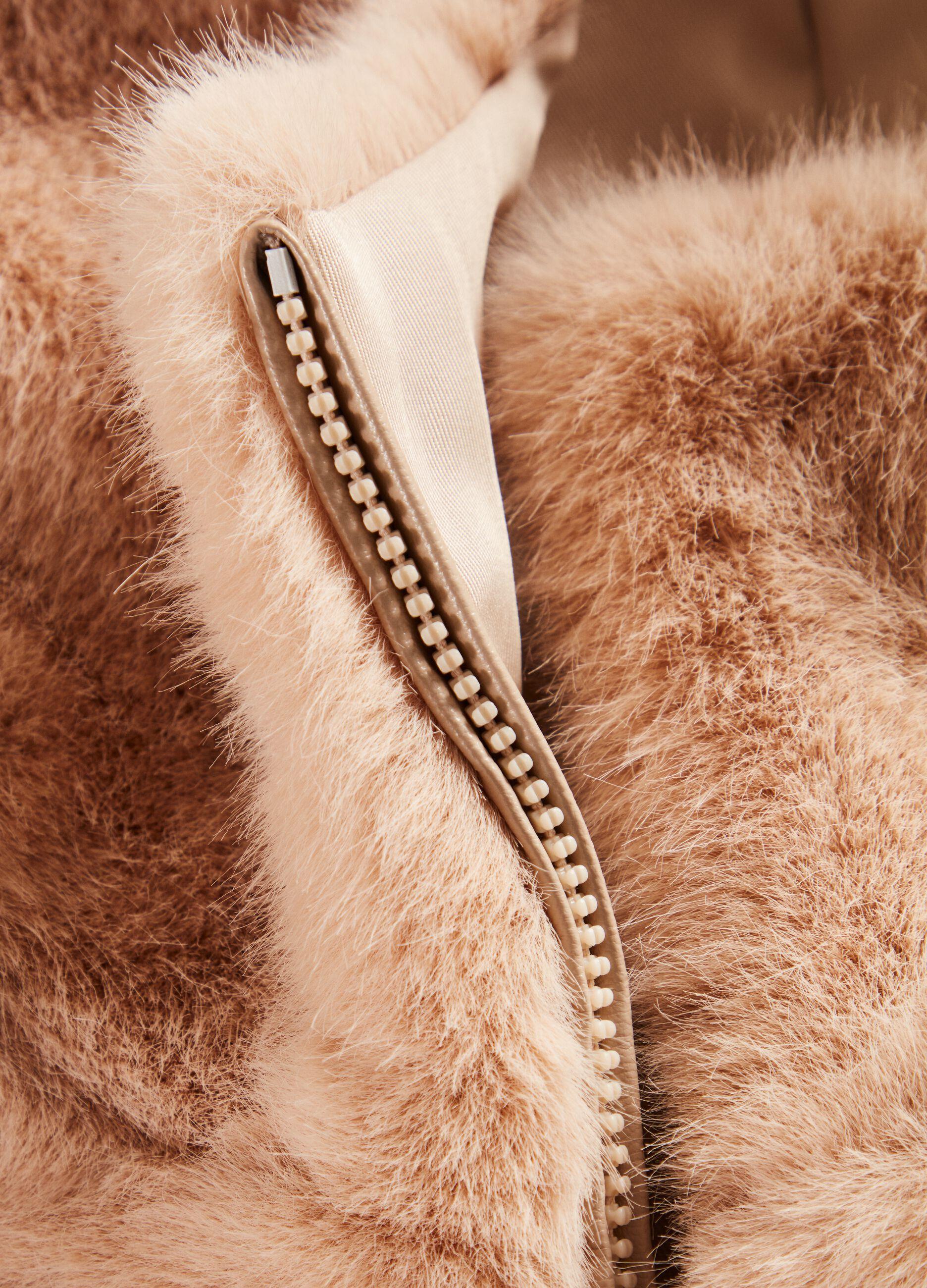 Corpetto in eco pelliccia con cappuccio Beige