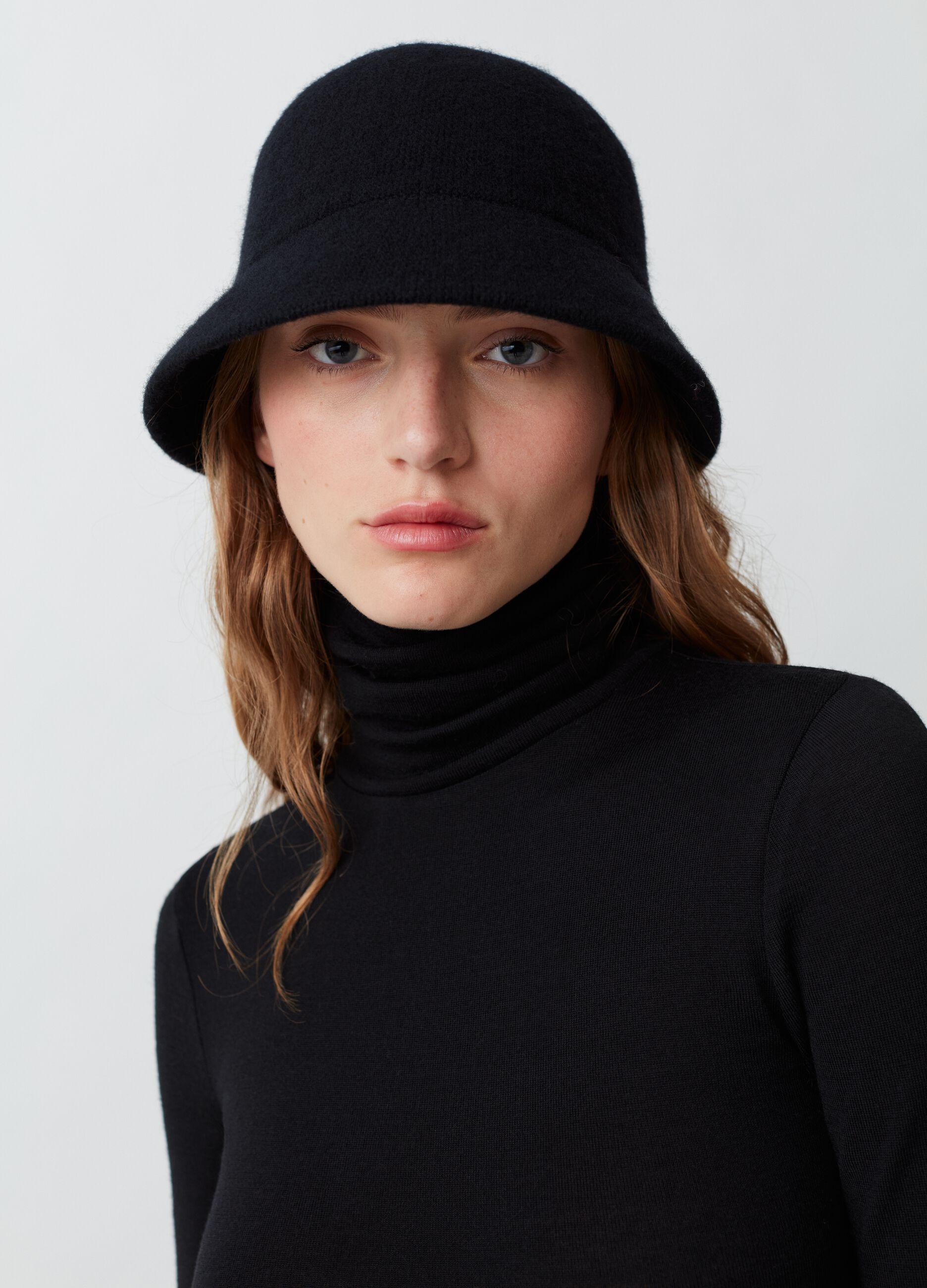 Cappello a secchiello in lana Nero