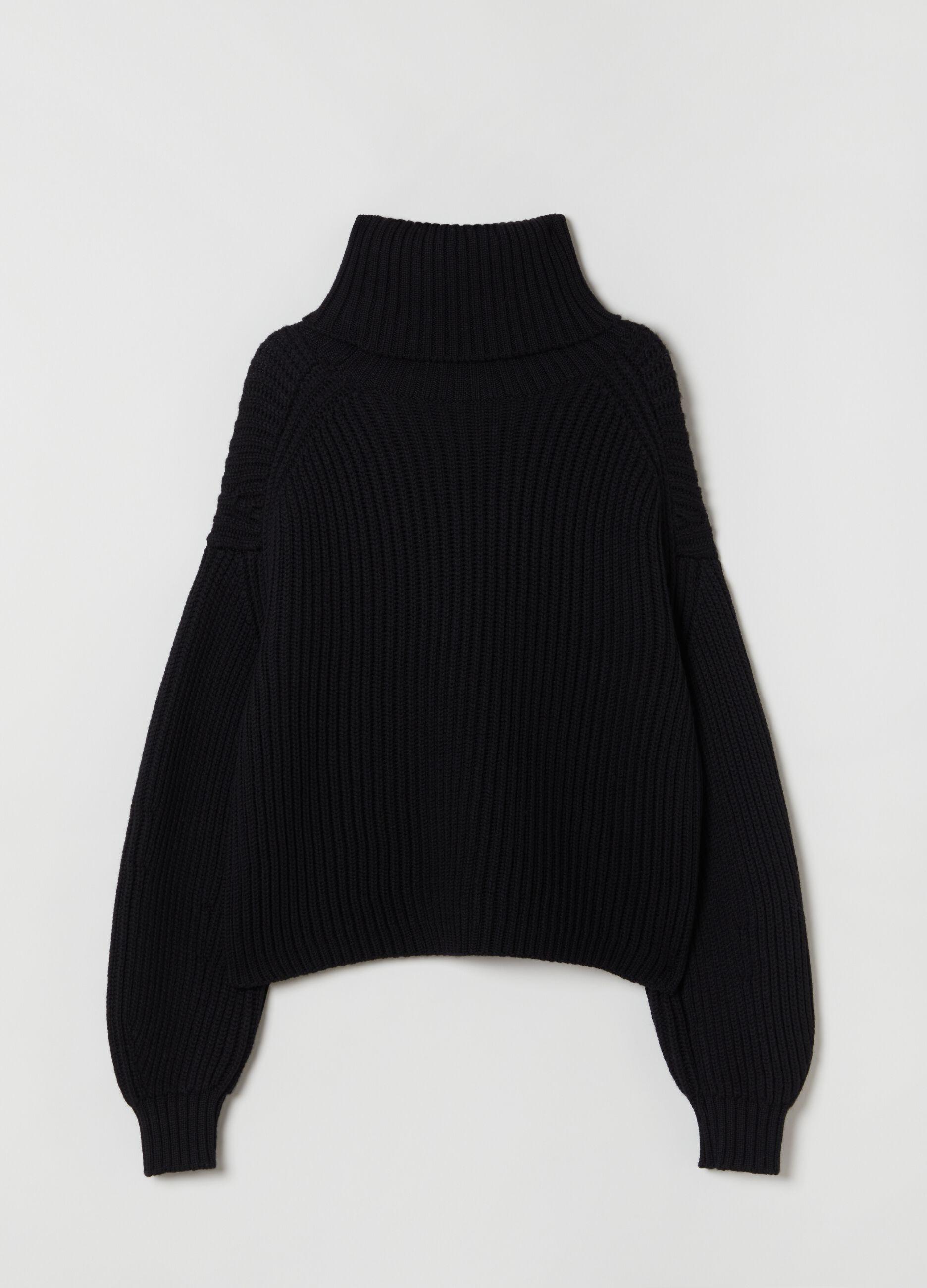 Pullover boxy fit a collo alto Nero