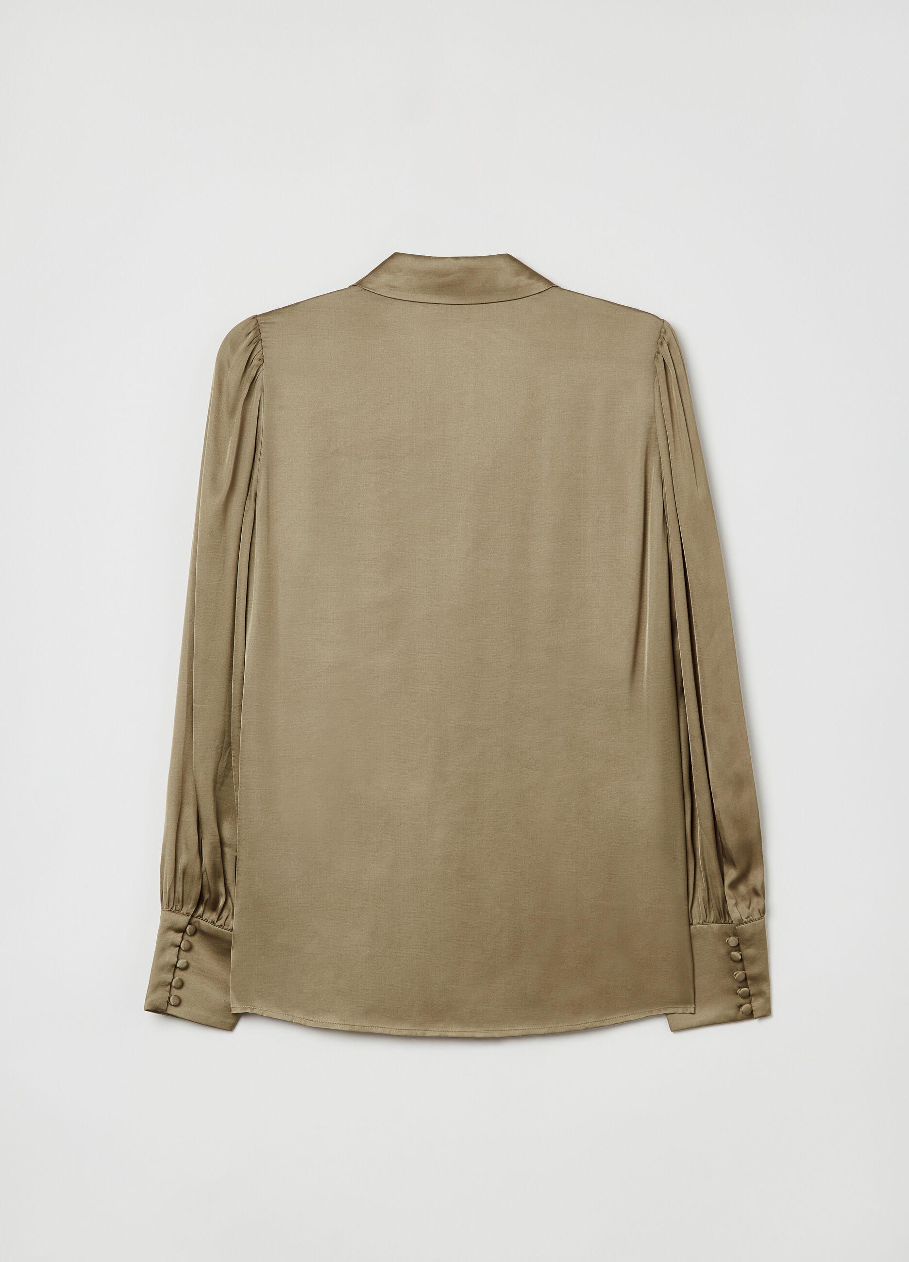 Blusa in raso con collo camicia Verde