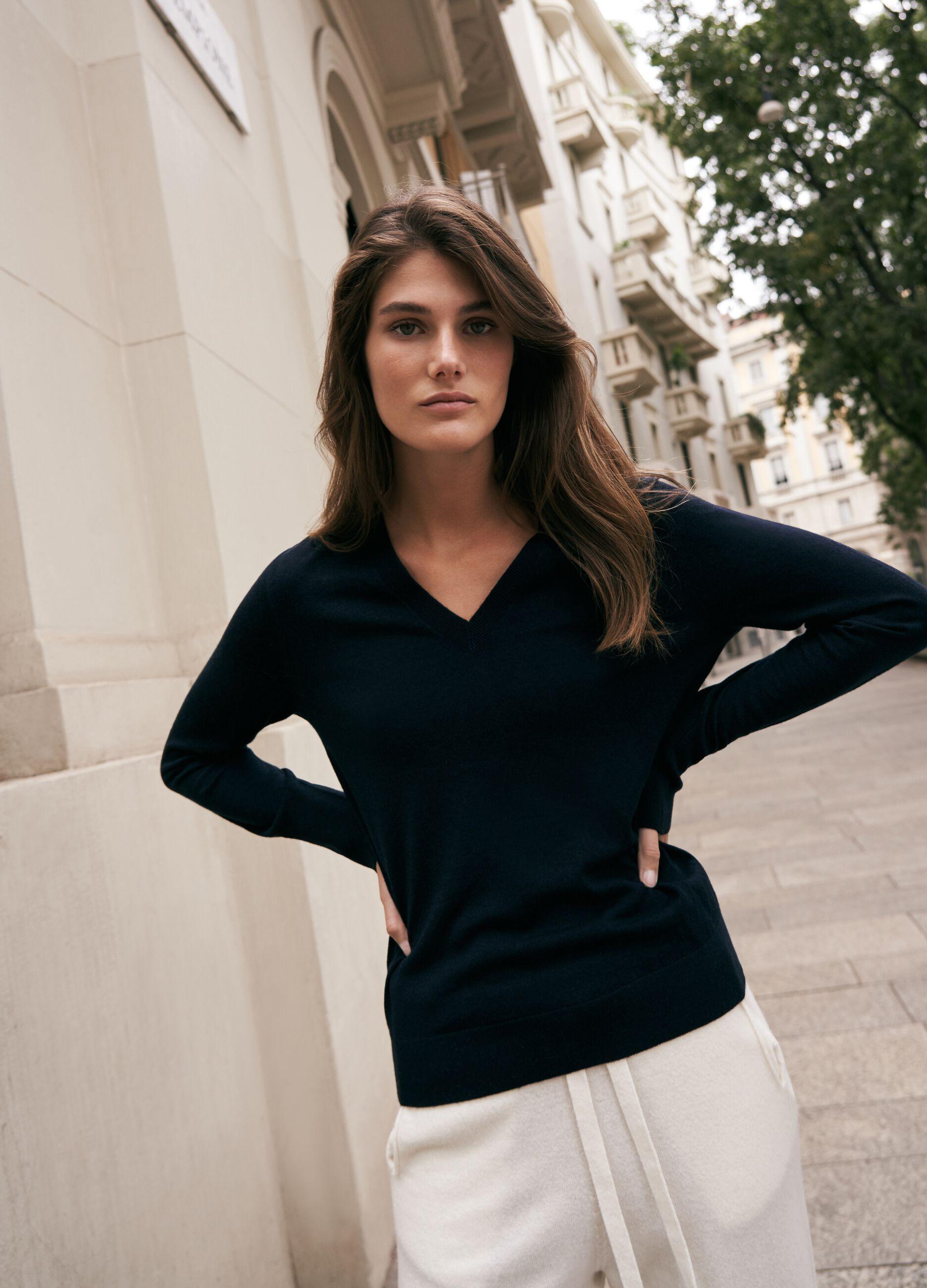 Pullover lana e seta con scollo a V Blu