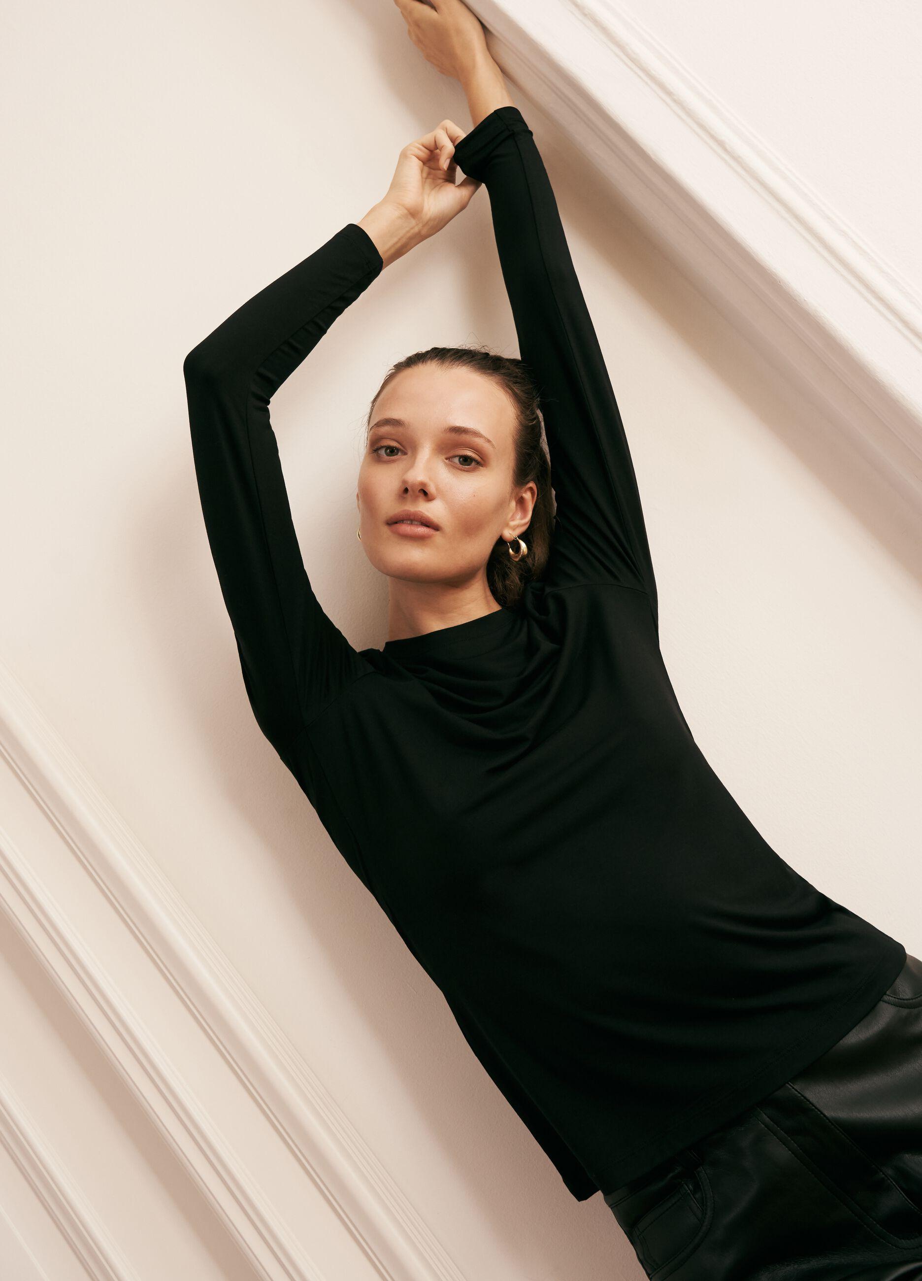 T-shirt girocollo in modal stretch Nero