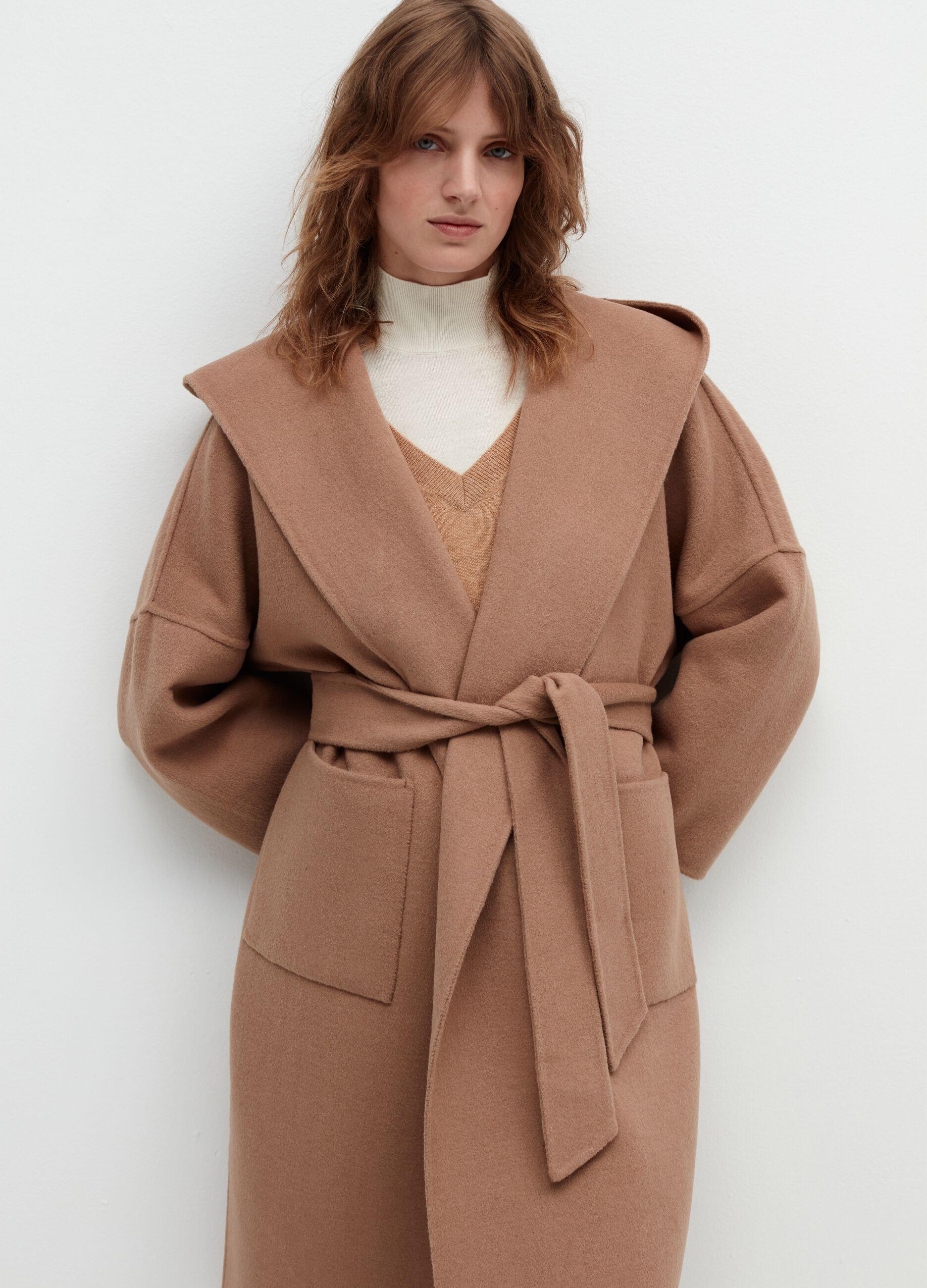 Cappotto con cappuccio e cintura Beige