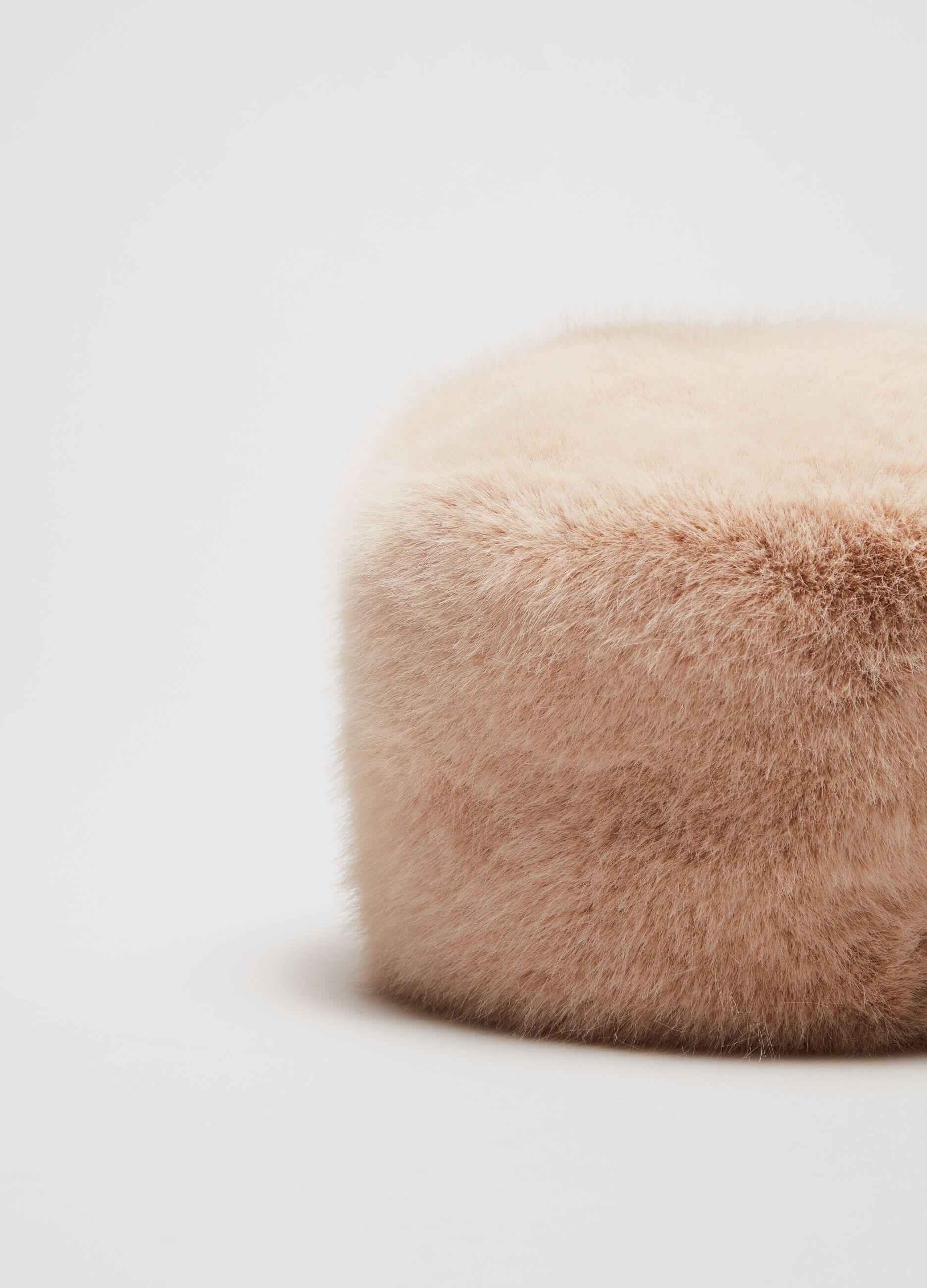 Colbacco in eco pelliccia Beige
