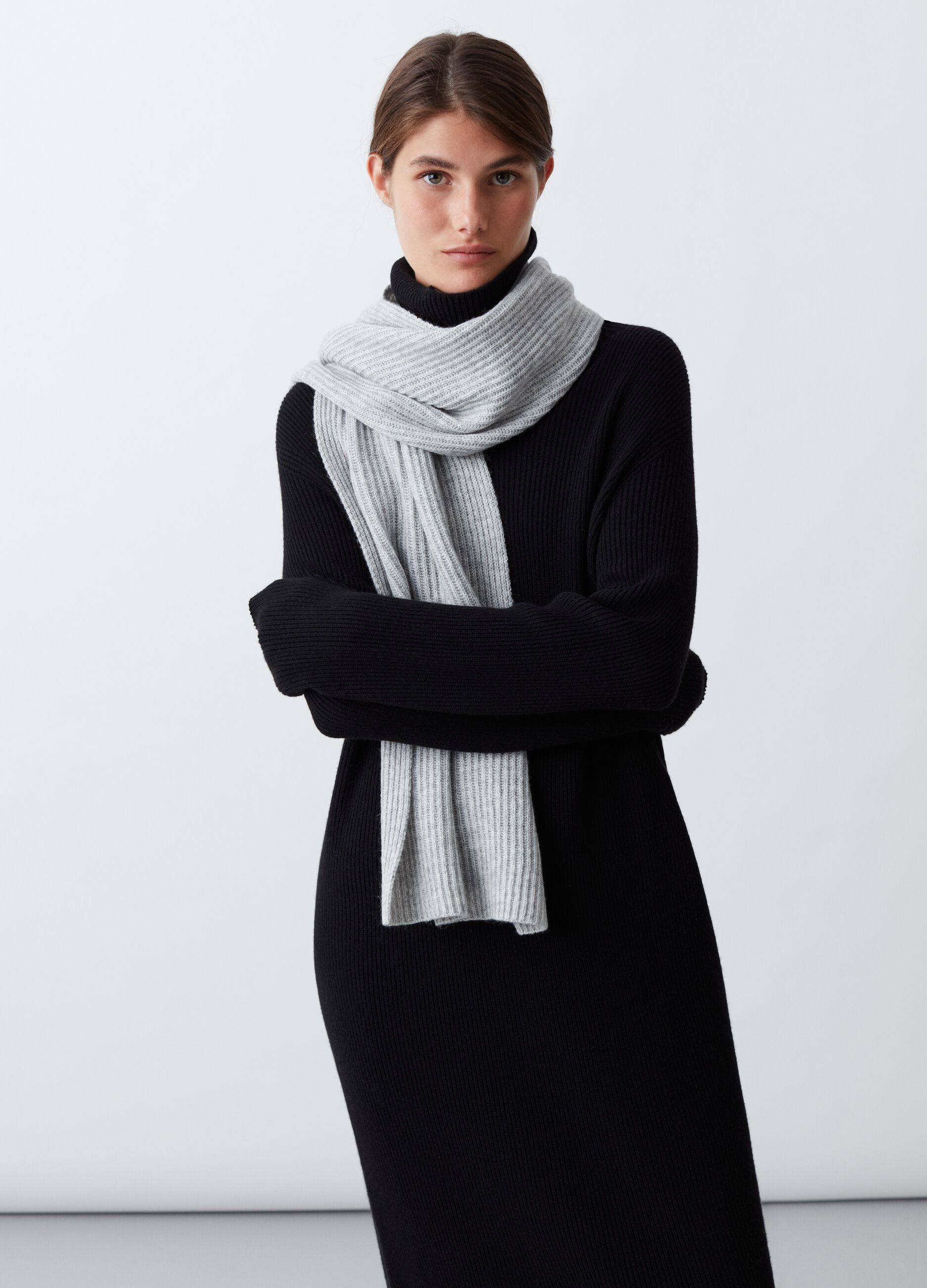 Sciarpa in lana e cachemire a coste Grigio
