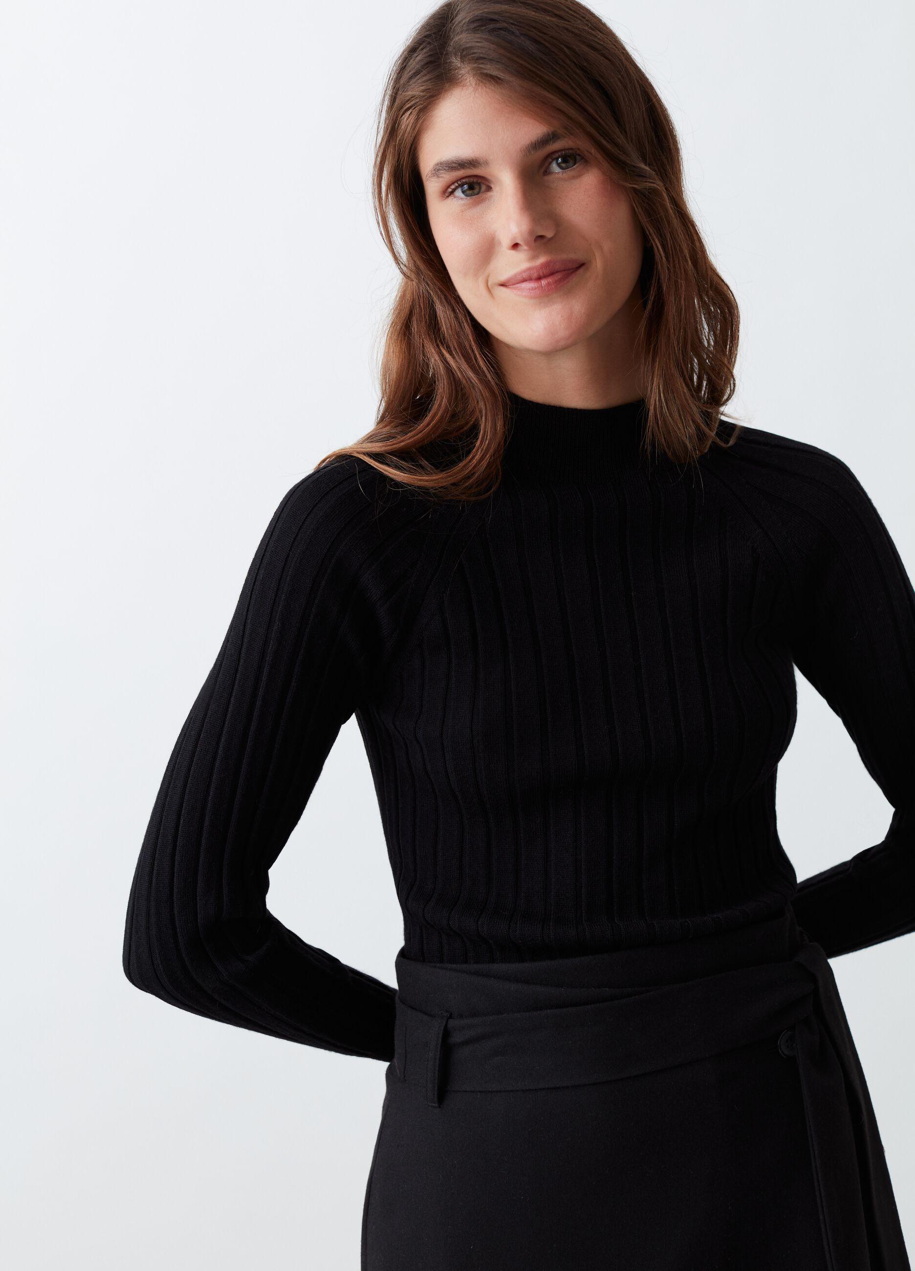 Merino wool pullover with flat ribbing Black