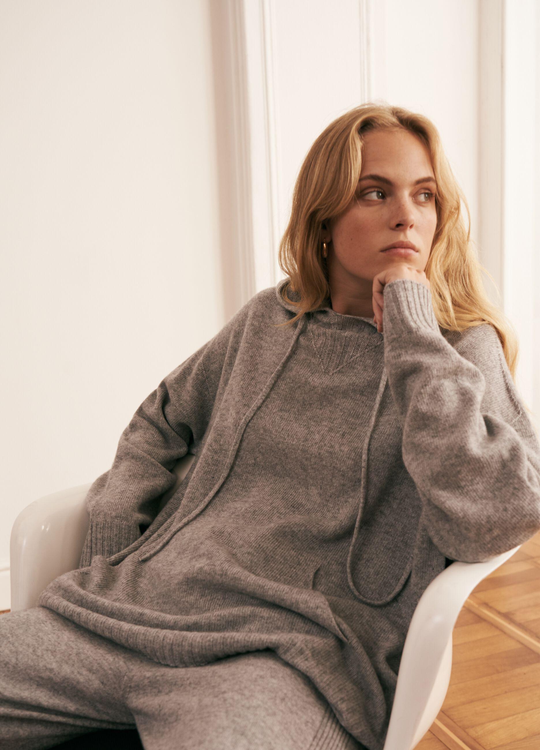 Pullover lana e cachemire con cappuccio Grigio