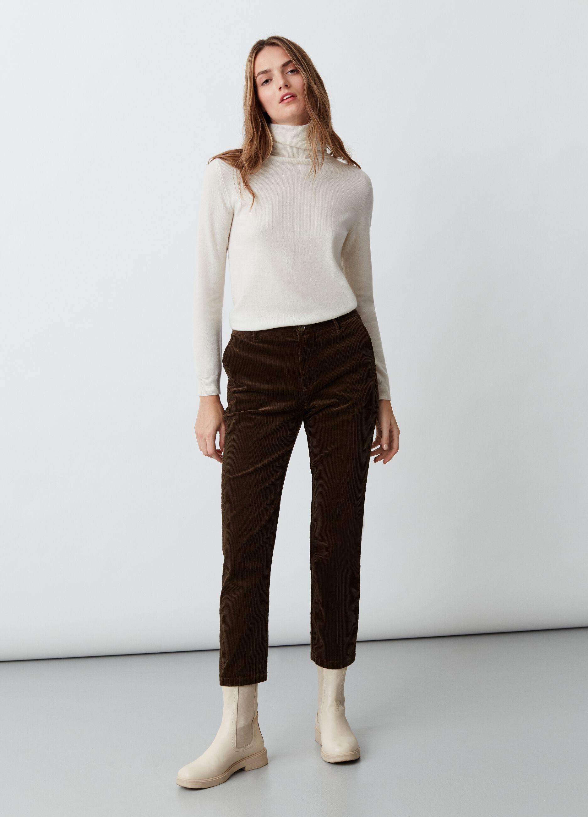 Pantalone chino in corduroy Marrone