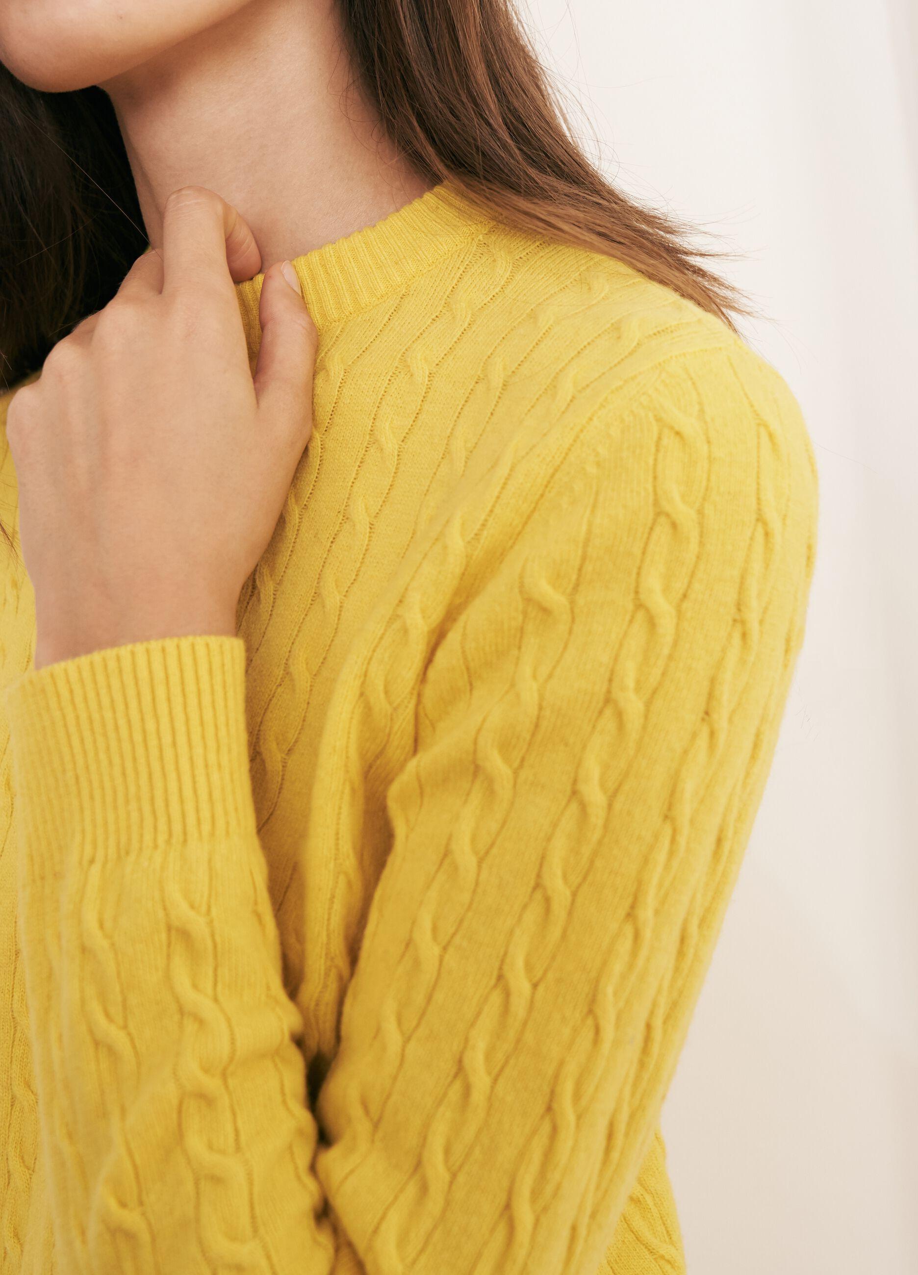Maglia in lana e cachemire motivo a trecce Giallo