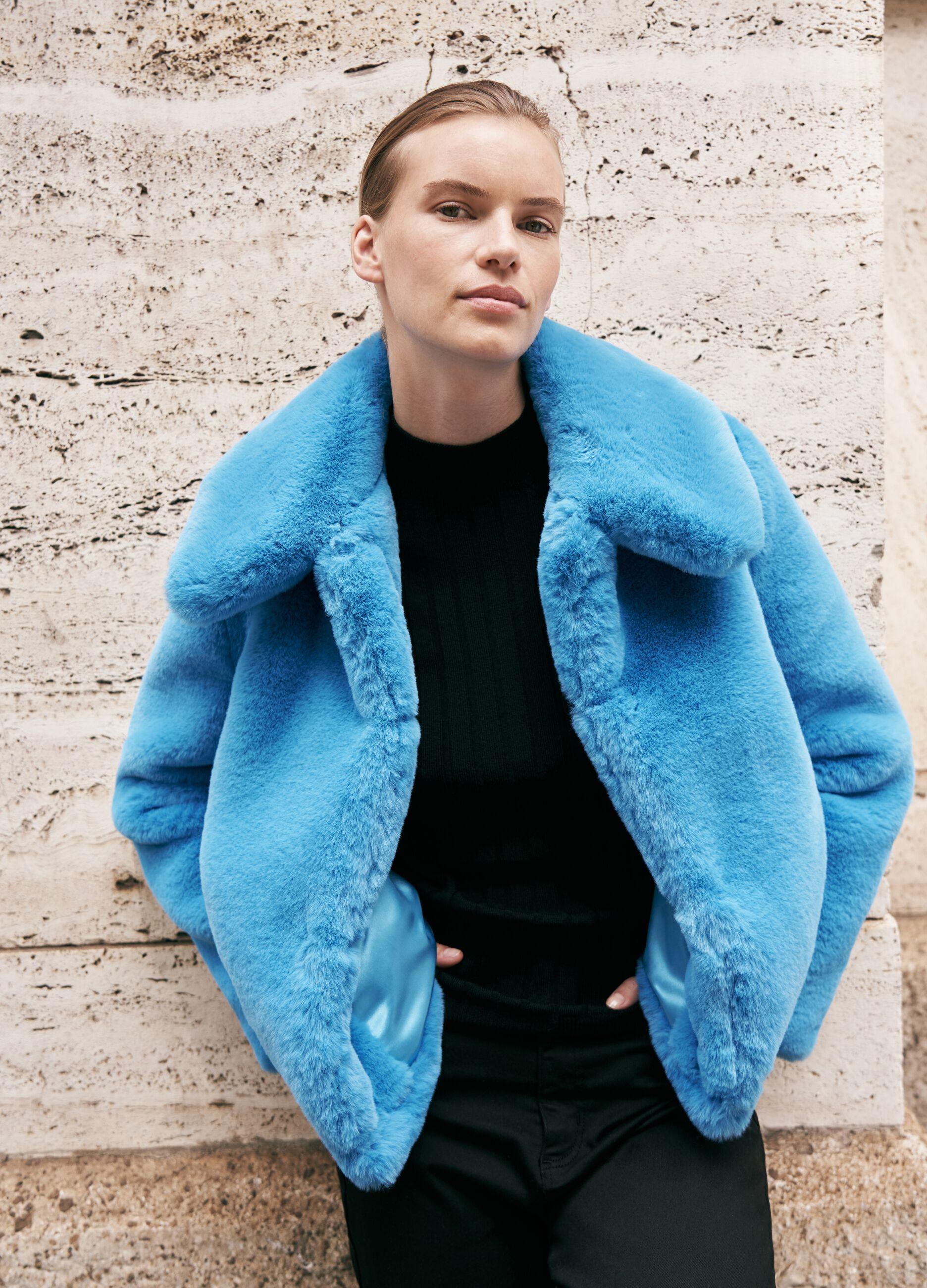 Giacca in eco pelliccia bold color Azzurro