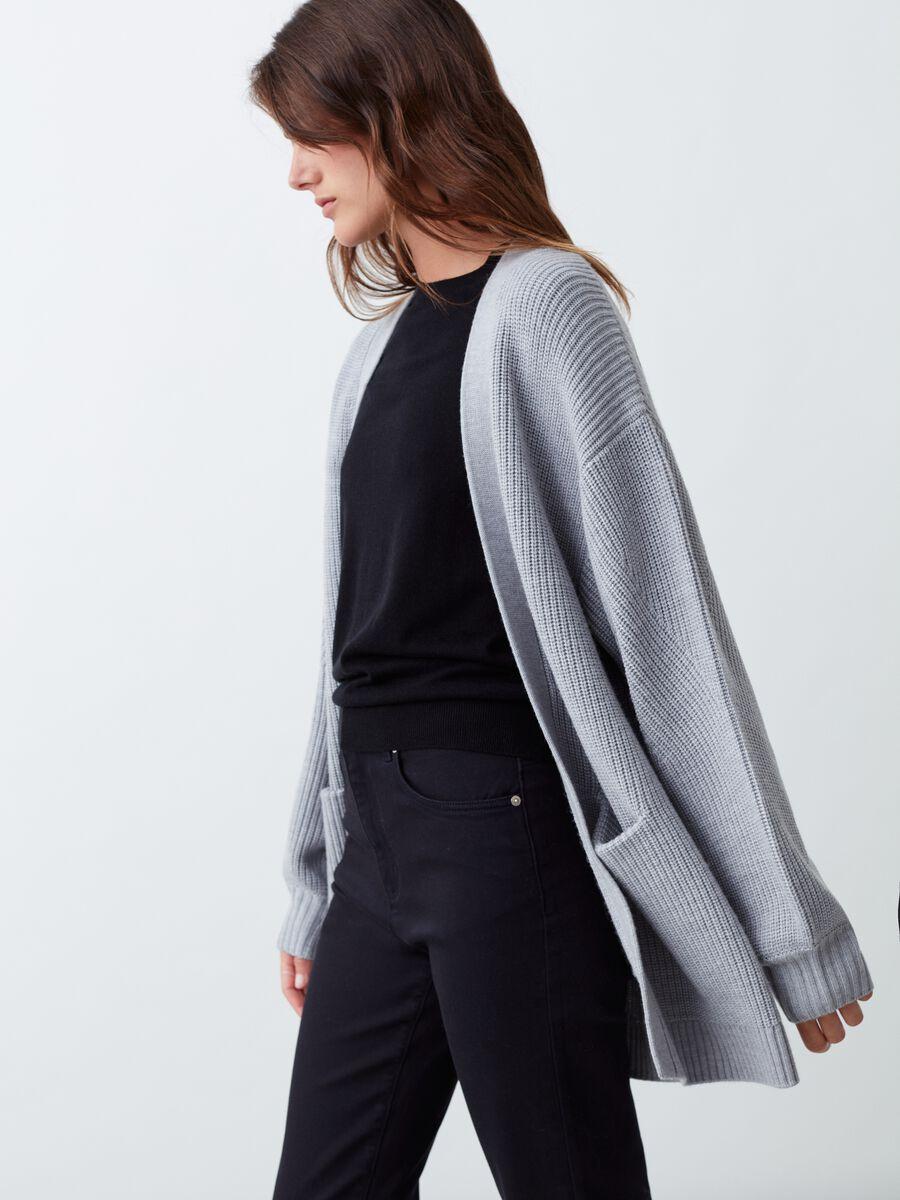 Cardigan aperto in pura lana con tasche Grigio