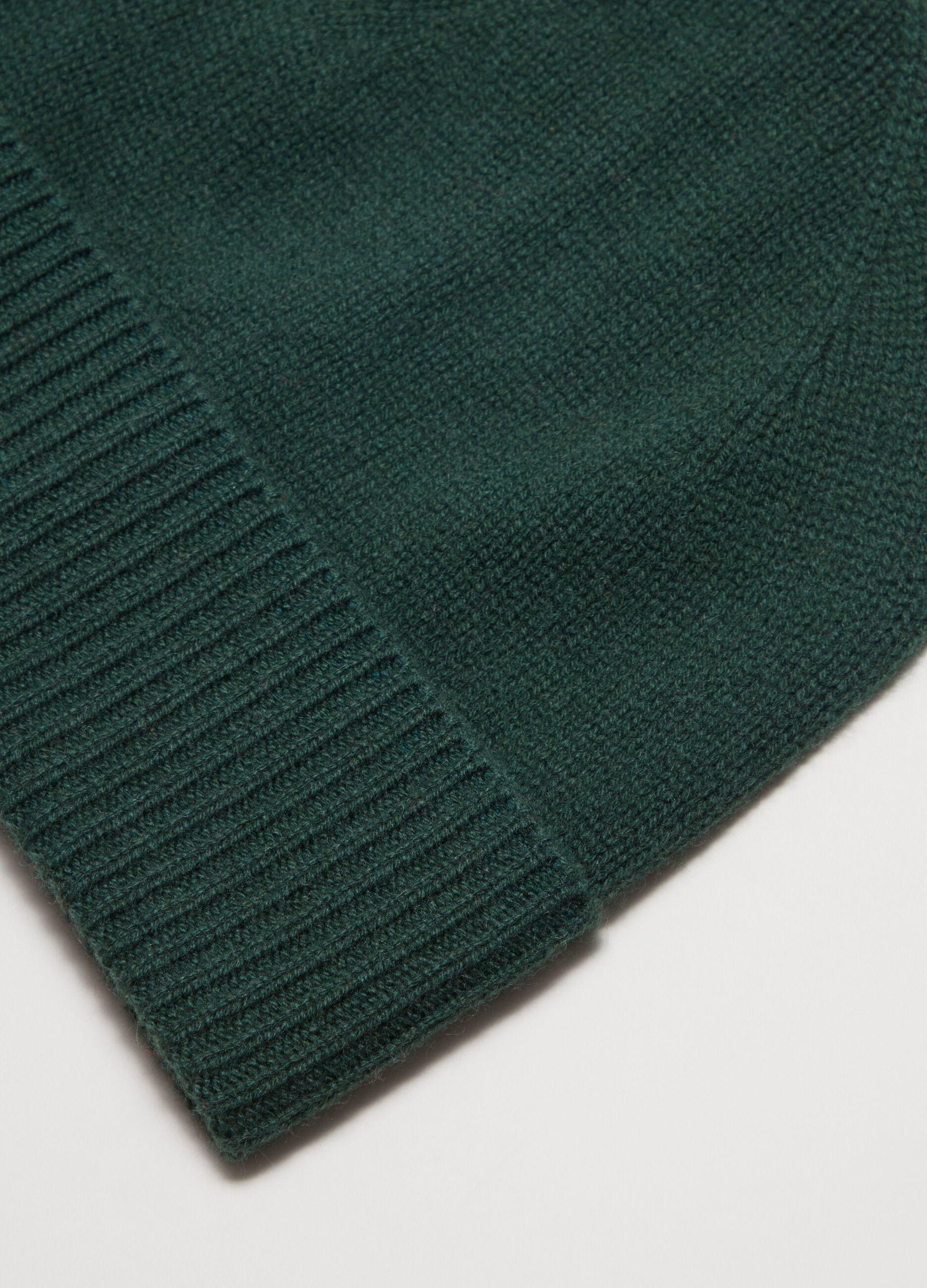 Berretto in cachemire con risvolto Verde