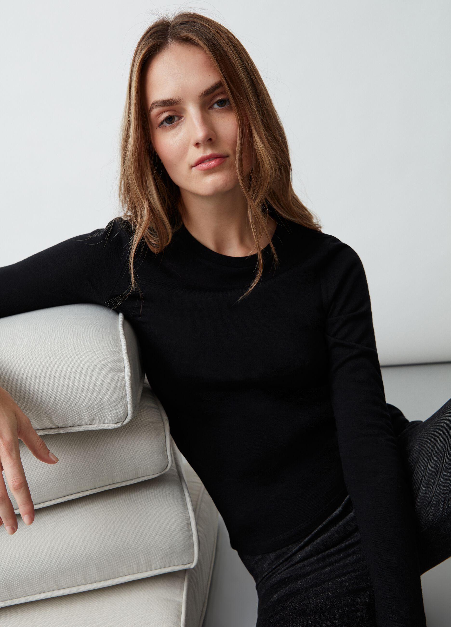 T-shirt girocollo in pura lana Nero