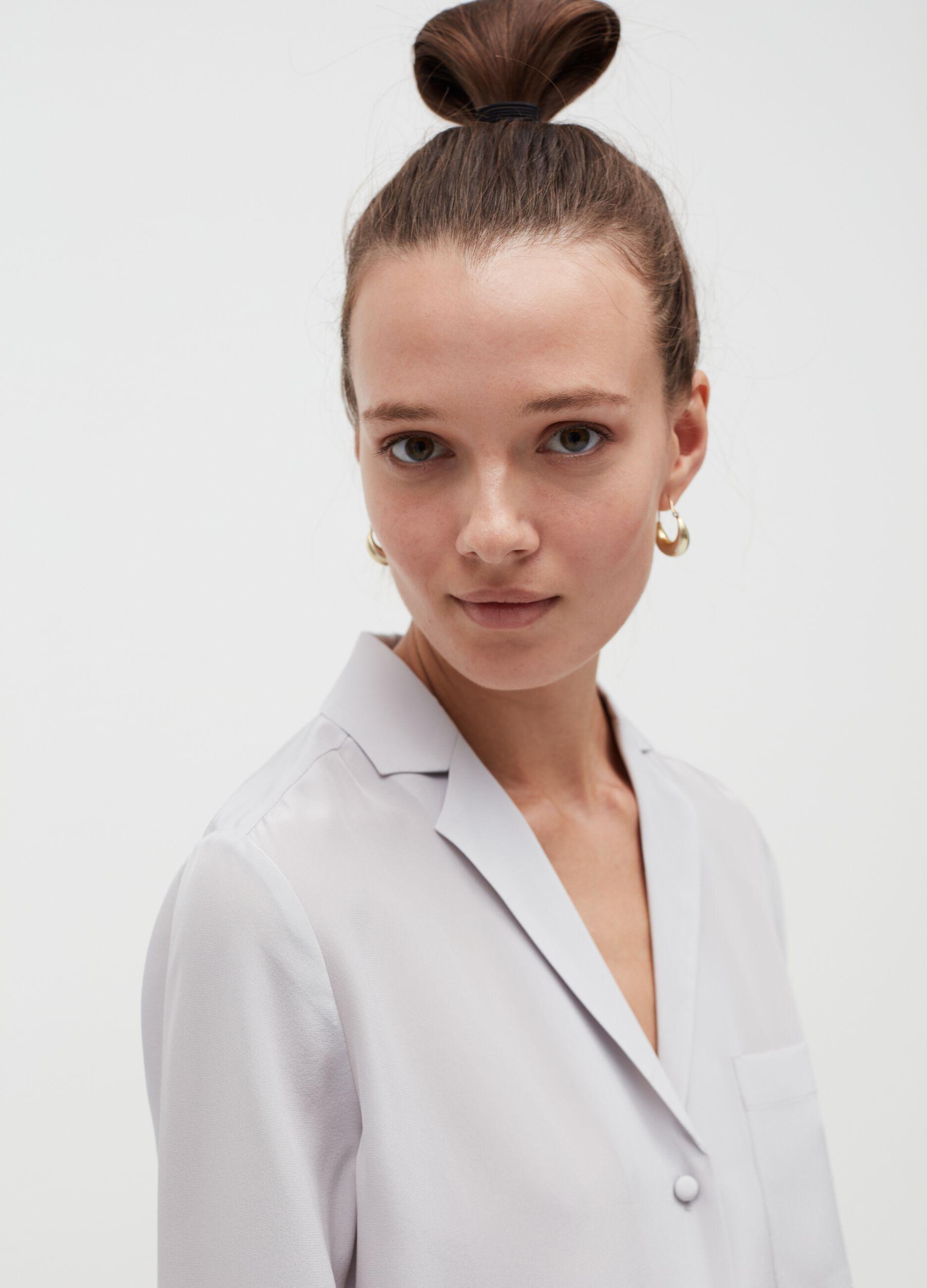 Camicia in seta con collo revers Bianco