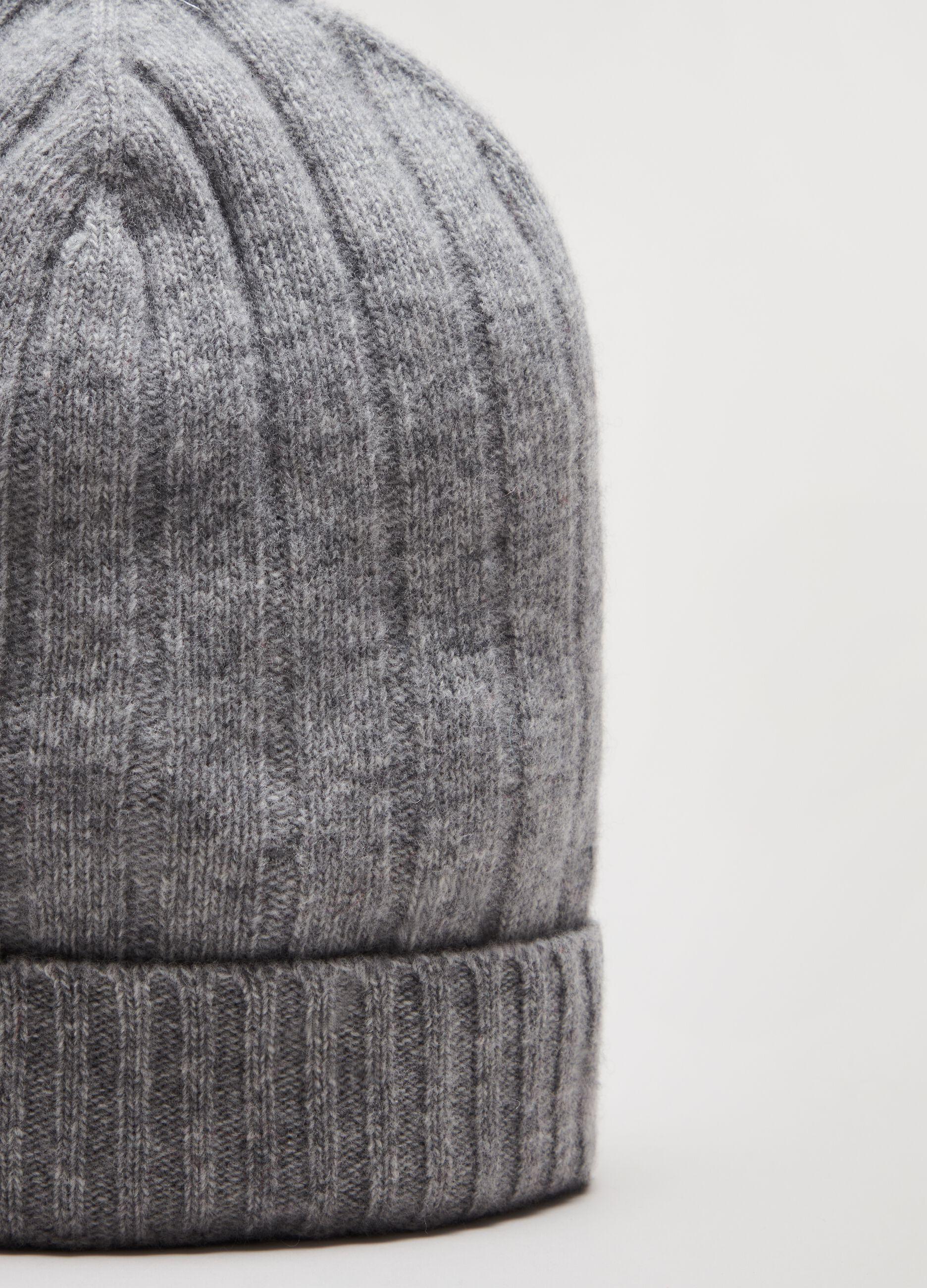 Berretto in lana a coste larghe Grigio