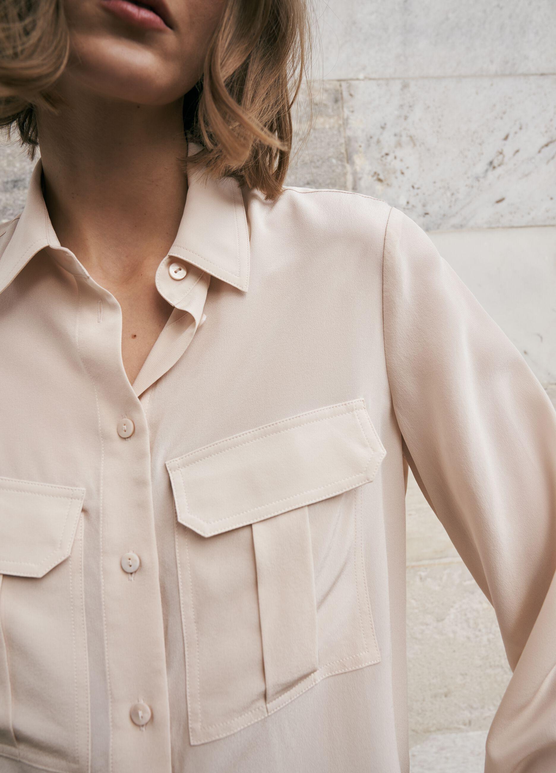 Camicia in seta con tasche Beige